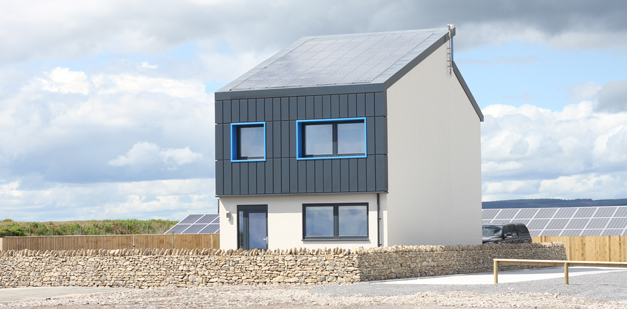 UK's first 'smart' carbon positive energy house